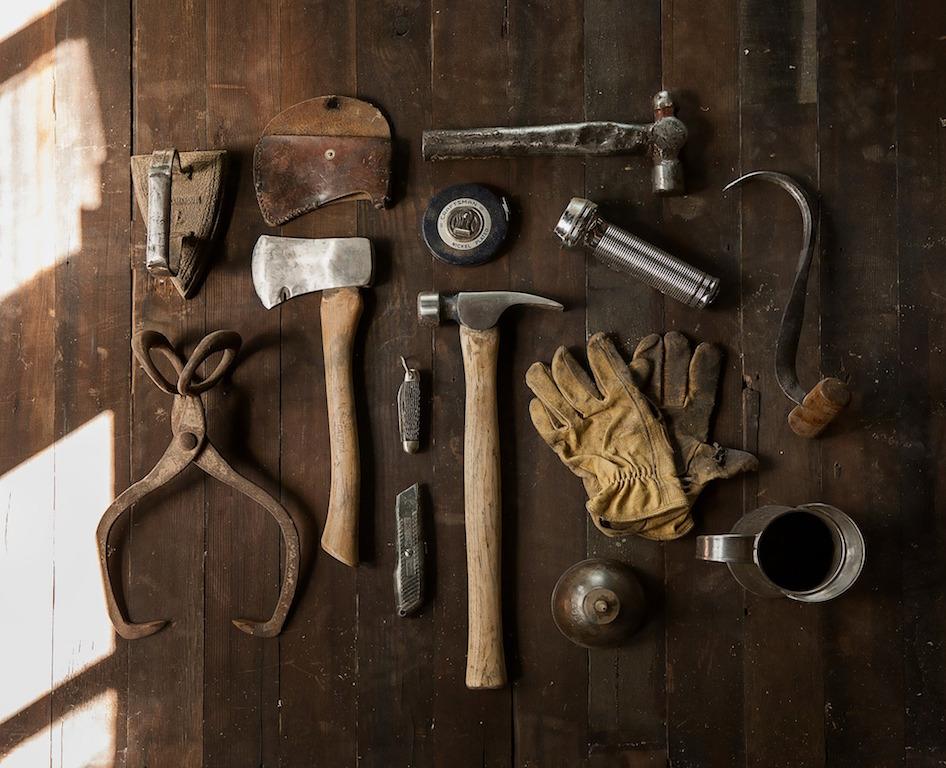 builder-hammer-tools