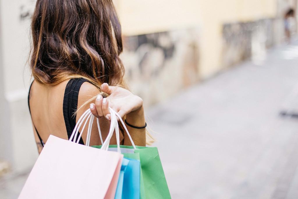 shopping-woman-bags