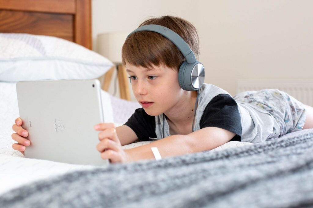 Tips for Introducing Kids to Social Media